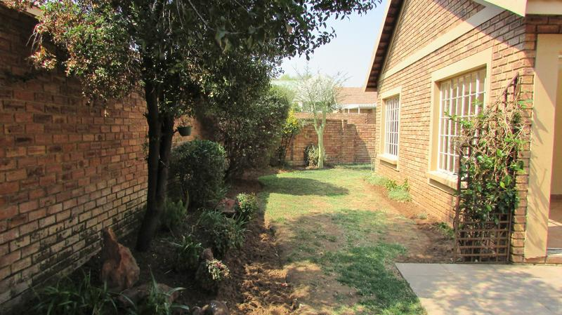 Property For Sale in Craigavon, Sandton 21