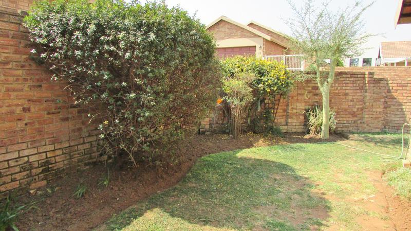 Property For Sale in Craigavon, Sandton 22