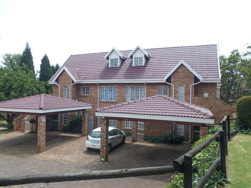 Property For Rent in Wilgeheuwel, Roodepoort 1