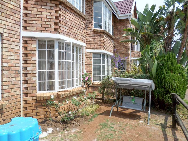 Property For Rent in Wilgeheuwel, Roodepoort 13