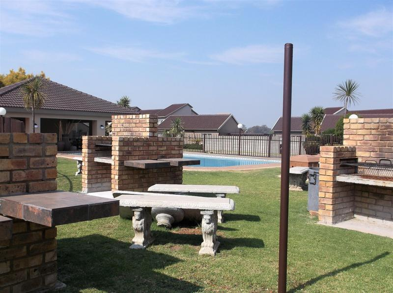Property For Rent in Bonaero Park, Kempton Park 3