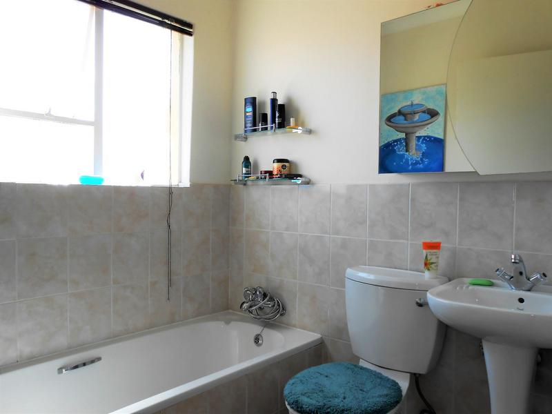 Property For Rent in Northcliff, Johannesburg 12