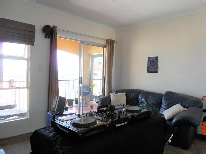 Property For Rent in Northcliff, Johannesburg 3