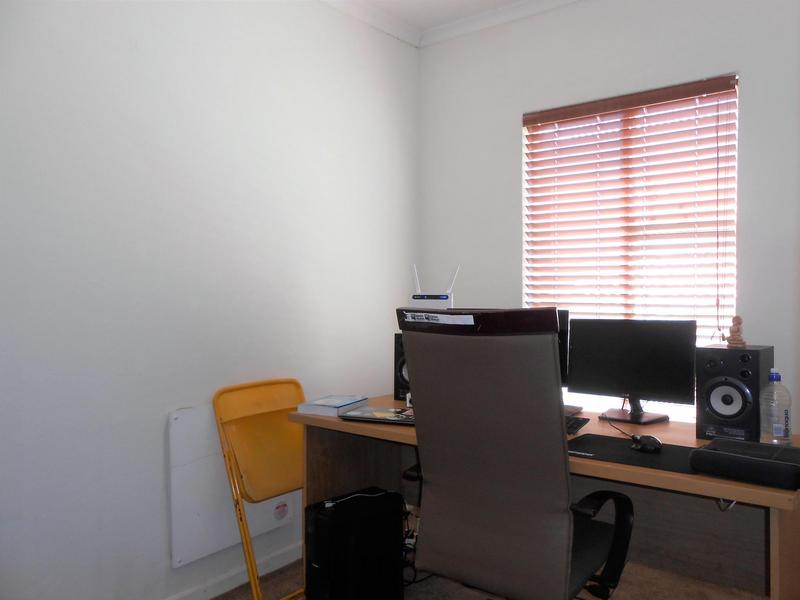 Property For Rent in Northcliff, Johannesburg 15