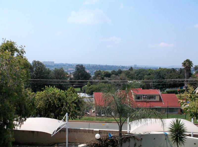 Property For Rent in Northcliff, Johannesburg 19