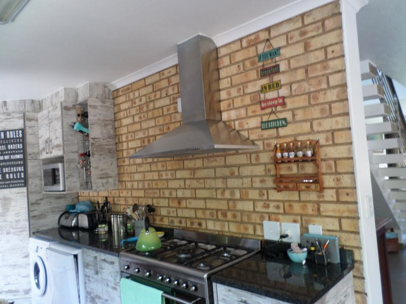 Property For Rent in Honeydew Manor, Roodepoort 7