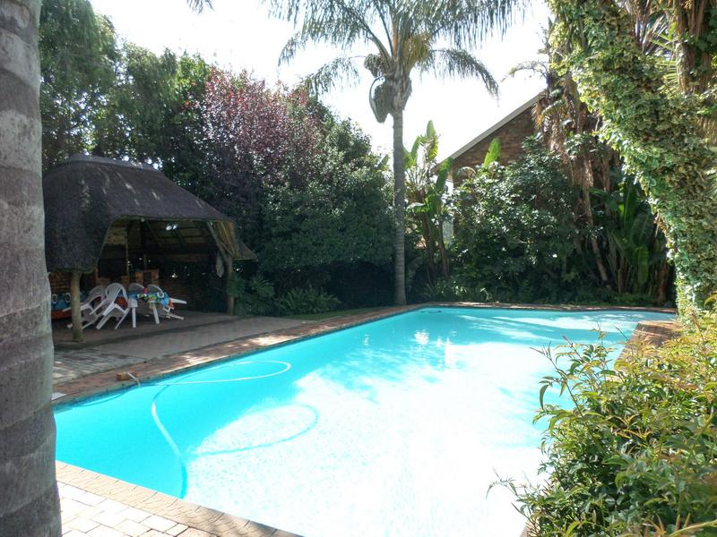 Property For Sale in Bergbron, Roodepoort 17