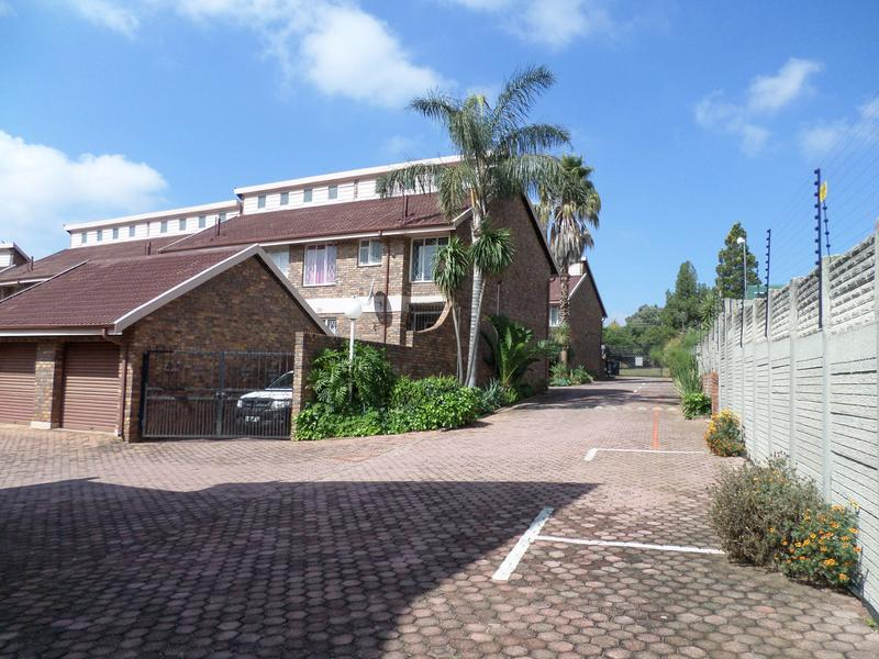 Property For Sale in Bergbron, Roodepoort 18