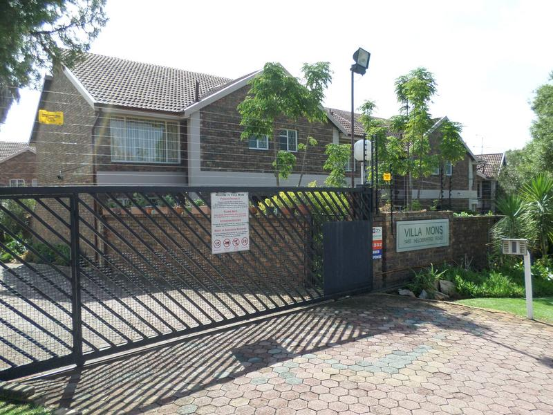 Property For Sale in Bergbron, Roodepoort 2
