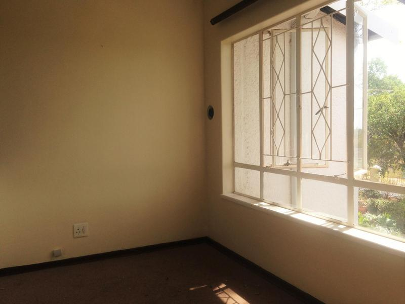 Property For Rent in Northcliff, Johannesburg 9