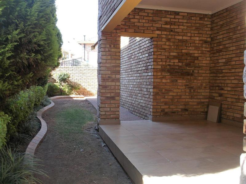 Property For Rent in Willowbrook, Roodepoort 9