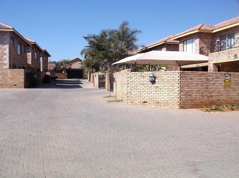 Property For Rent in Willowbrook, Roodepoort 11