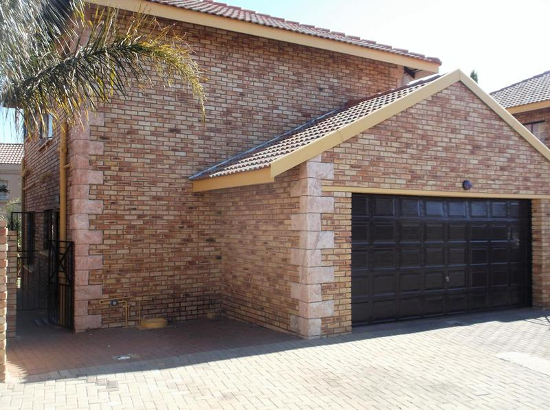Property For Rent in Willowbrook, Roodepoort 1