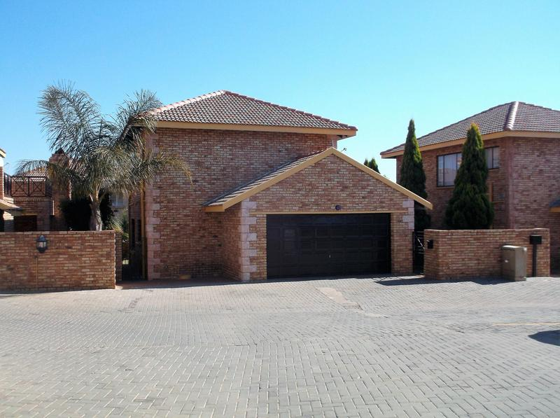 Property For Rent in Willowbrook, Roodepoort 12