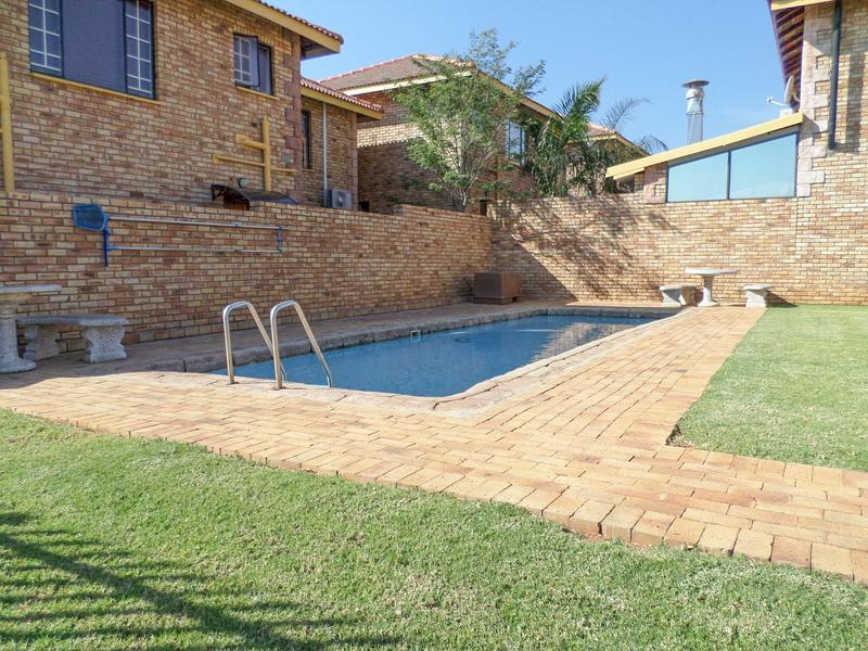 Property For Rent in Willowbrook, Roodepoort 14