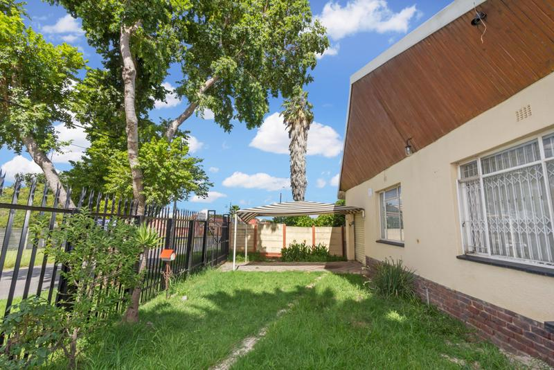 Property For Sale in Hamberg, Roodepoort 13