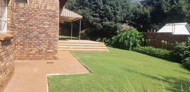 Property For Rent in Faerie Glen, Pretoria 5