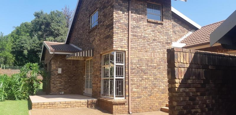 Property For Rent in Faerie Glen, Pretoria 3