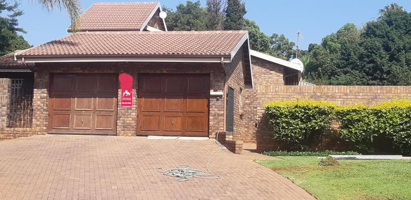 Property For Rent in Faerie Glen, Pretoria 2