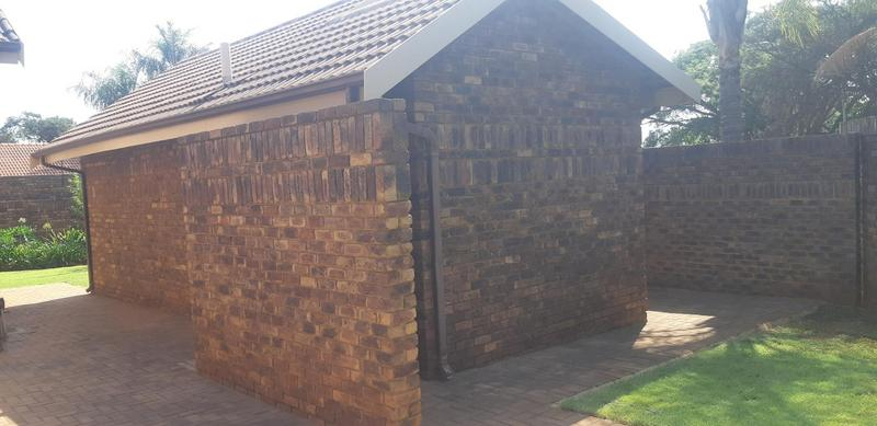 Property For Rent in Faerie Glen, Pretoria 12
