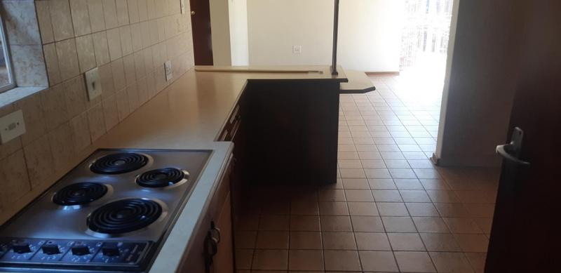 Property For Rent in Faerie Glen, Pretoria 25