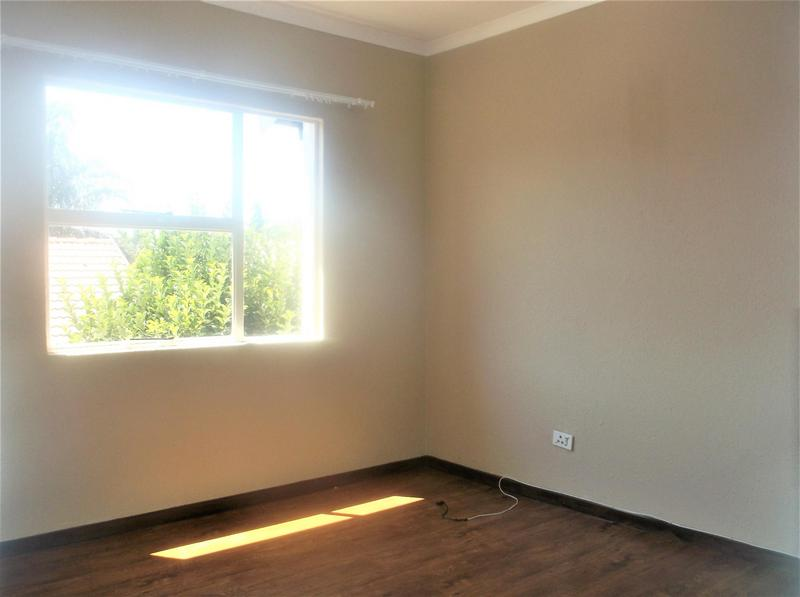 Property For Rent in Bonaero Park, Kempton Park 10