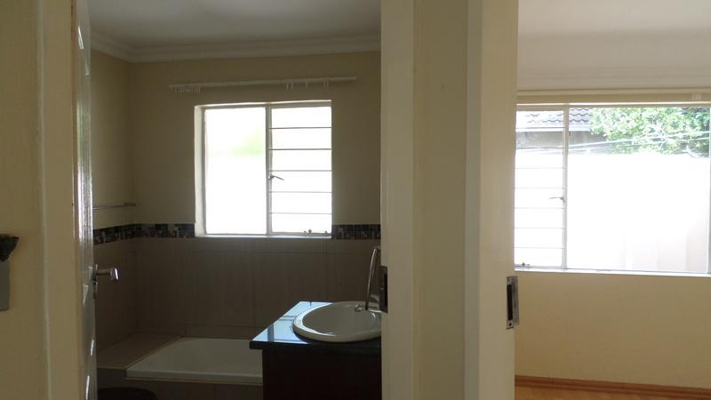 Property For Rent in Northwold, Randburg 11