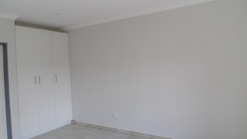 Property For Rent in Ferndale, Randburg 8