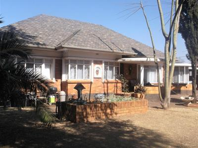 Property For Sale in Florida, Roodepoort