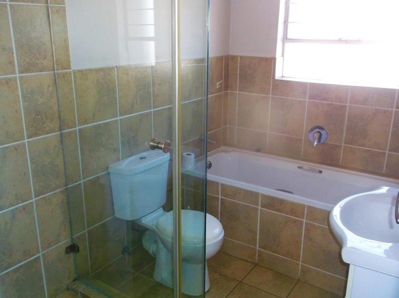 Property For Rent in Bardene, Boksburg 5