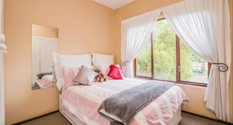 Property For Rent in Douglasdale, Sandton 4