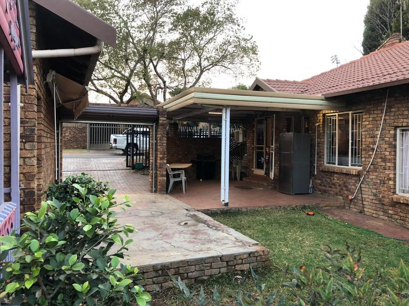Property For Sale in Garsfontein, Pretoria 8