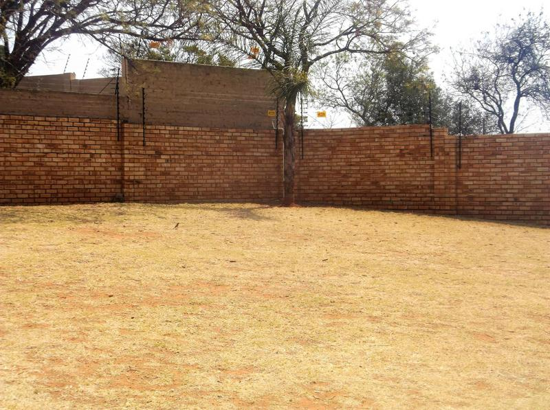 Property For Sale in Little Falls, Roodepoort 20