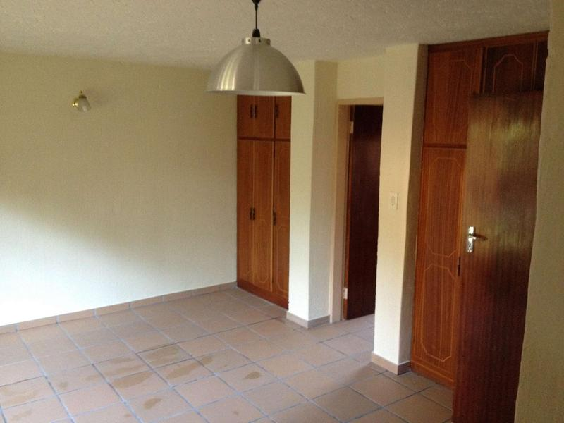 Property For Rent in Faerie Glen, Pretoria 7