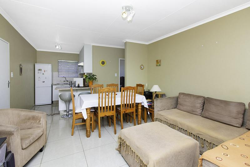 Property For Sale in Radiokop, Roodepoort 11