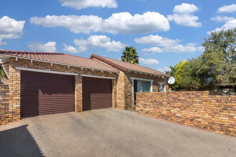 Property For Sale in Radiokop, Roodepoort 4