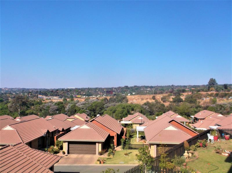 Property For Sale in Olivedale, Randburg 17