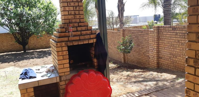 Property For Rent in Die Wilgers, Pretoria 15