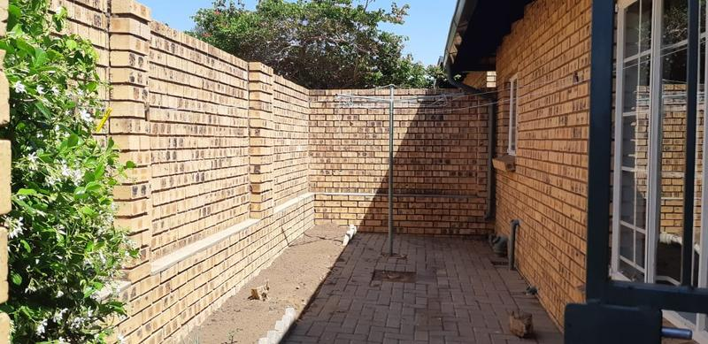 Property For Rent in Die Wilgers, Pretoria 16