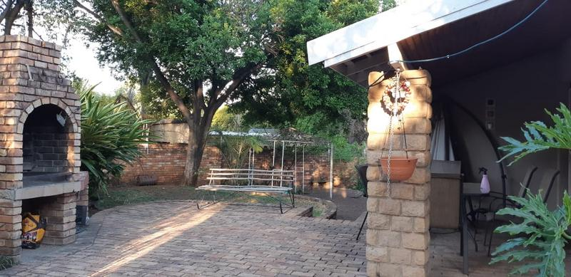 Property For Rent in Val De Grace, Pretoria 3