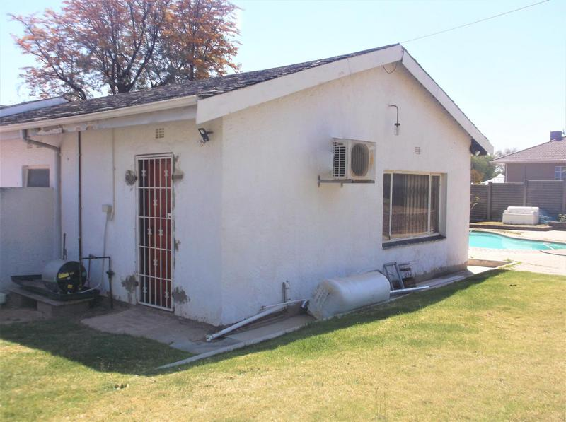 Property For Rent in Lombardy East, Johannesburg 10