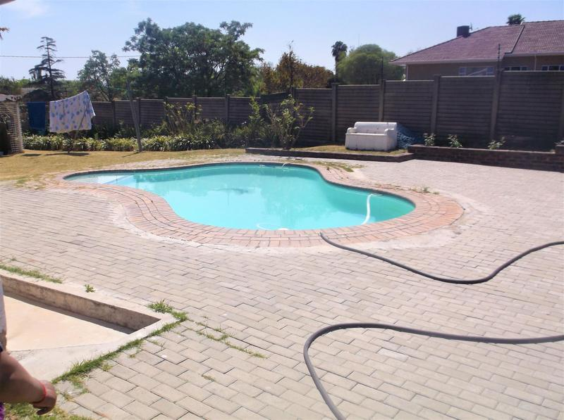 Property For Rent in Lombardy East, Johannesburg 1