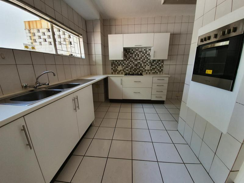 Property For Rent in Lynnwood Manor, Pretoria 14