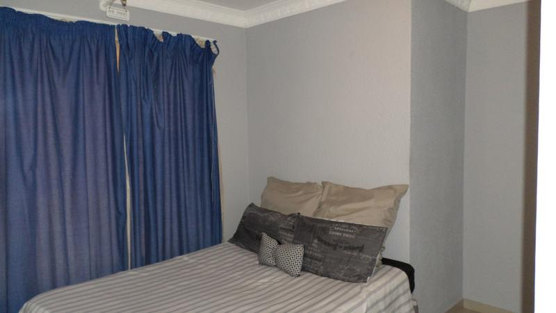 Property For Rent in Fairland, Johannesburg 8