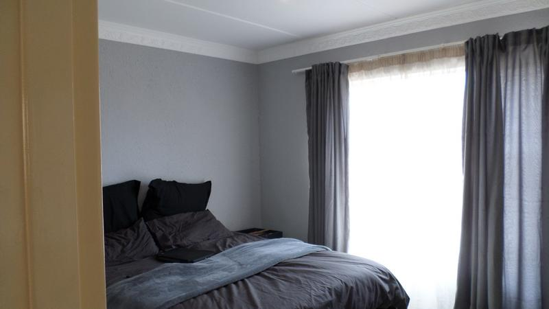 Property For Rent in Fairland, Johannesburg 10