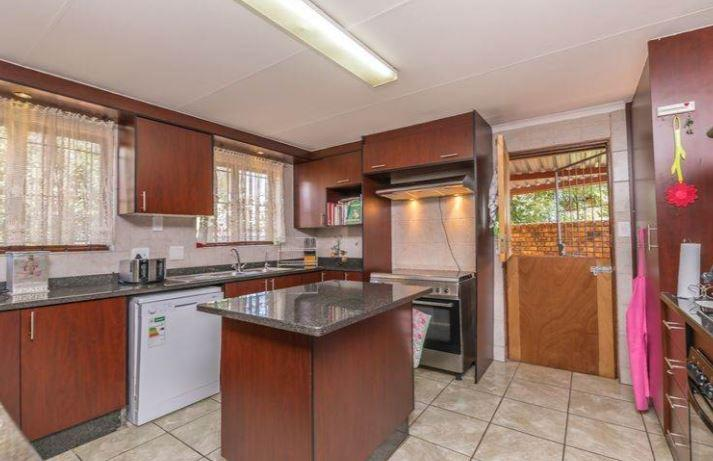 Property For Sale in Elarduspark, Pretoria 16