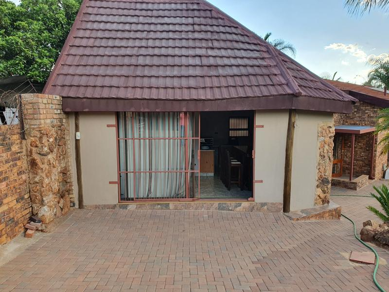Property For Sale in Elarduspark, Pretoria 33