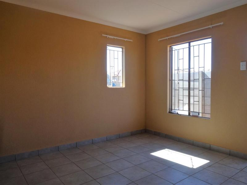 Property For Rent in Albertsdal, Alberton 4