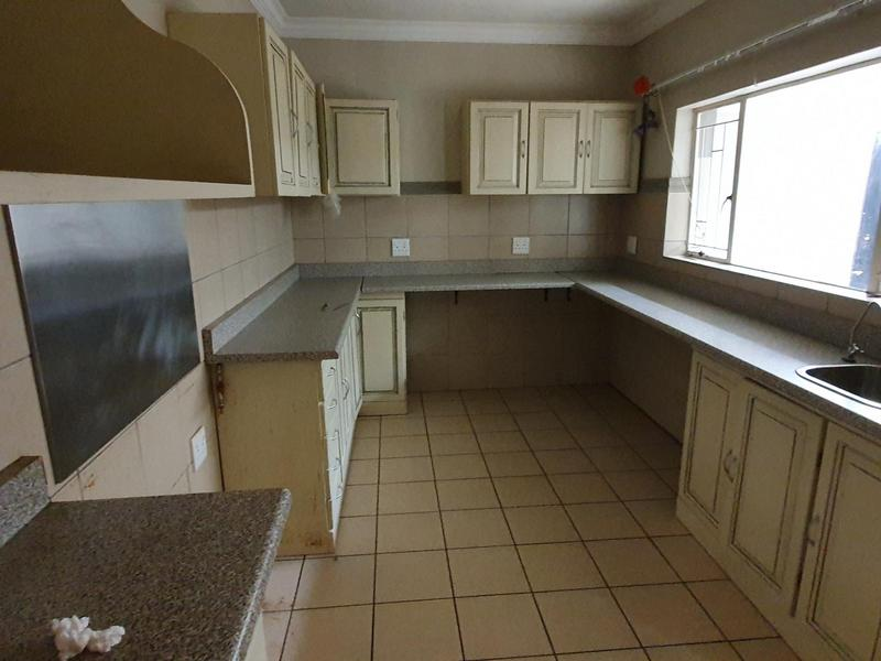Property For Rent in Elarduspark, Pretoria 21