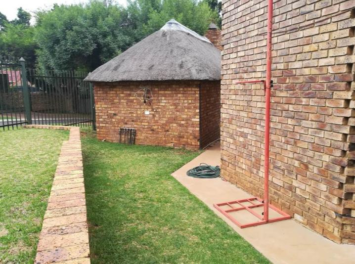 Property For Rent in Moreletapark, Pretoria 8